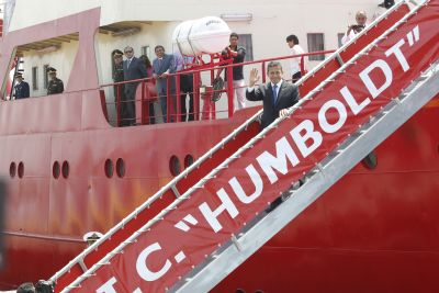 President Humala bids farewell to scientific mission to Antarctica